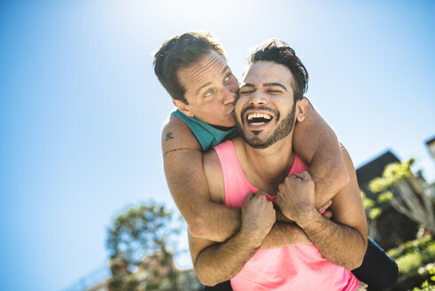 Portrait of happy gay couple - LEF000070
