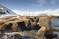 Iceland, Snaefells, view to house near the coast - FCF000871