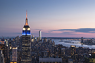 USA, New York, Manhattan, Empire State Building in the evening - FCF000887