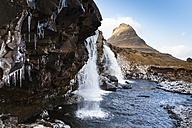 Iceland, Snaefellsnes peninsula, Grundafjoerdur, Kirkjufell, waterfall - FCF000913