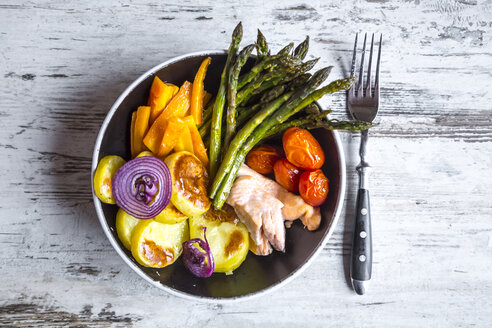 Lunch bowl with vegetables and salmon - SARF002685