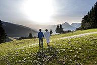 Austria, Tyrol, Couple on alp - MKFF000289
