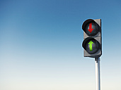 Sky and traffic light, red and green arrow sign, 3D Rendering - AHUF000149