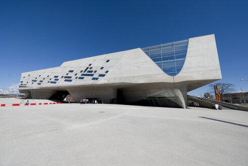 Germany, Wolfsburg, view to Phaeno Science Center - KLR000297