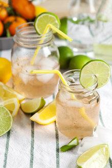 Glasses of cooled lemonade - VABF000429