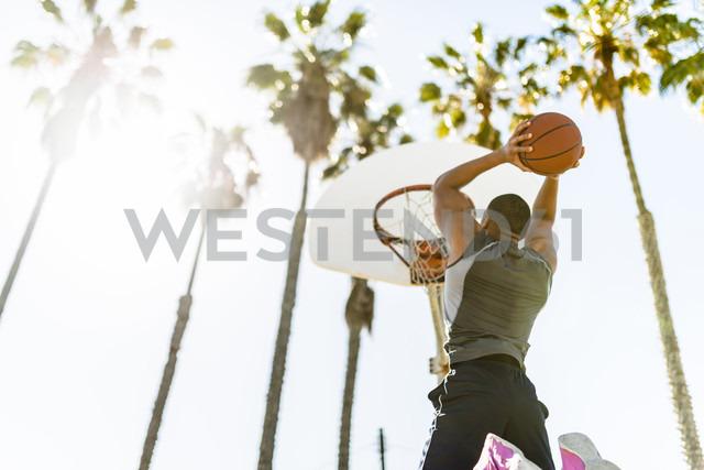 USA, Los Angeles, basketball training - LEF000087