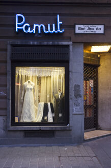 Hungary, Budapest, retail business, wedding shop - TK000440