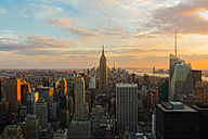 USA, New York City, Manhattan at sunset seen from above - GIOF000887
