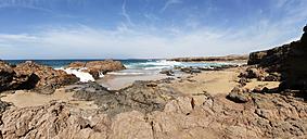 Spain, Canary Islands, Fuerteventura, West coast near Los Molinos, Playa de Jarubio - WWF003972