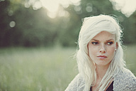 Portrait of a blonde girl in summer - ANHF000016
