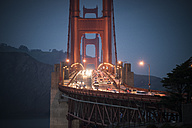USA, California, rush hour on golden gate bridge in the evening - STCF000227