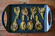 Grilled artichokes on tray - KIJF000367