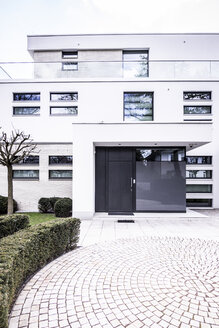 Germany, Berlin, Bauhaus style villa - CMF000415