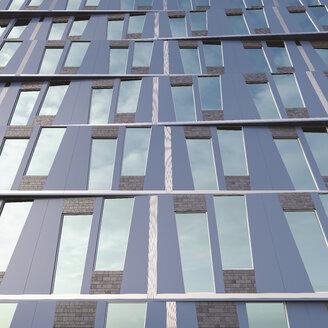Part of facade of modern high-rise building, 3D-Rendering - UWF000884