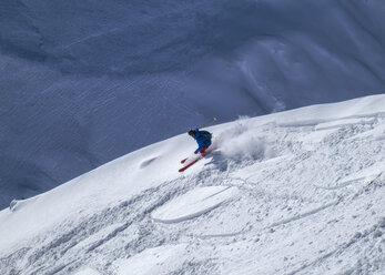 France, Isere, Les Deux Alps, Off-Piste skiing - ALRF000439
