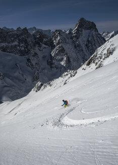France, Isere, Les Deux Alps, Vallon du Selle, Off-Piste skiing - ALRF000442