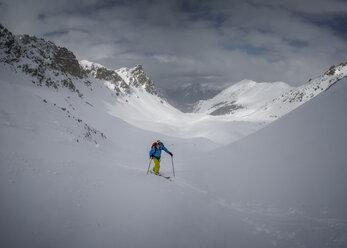 France, Hautes Alpes, Queyras Nature Park, Ceillac, Tete du Rissace, ski mountaineering - ALRF000448