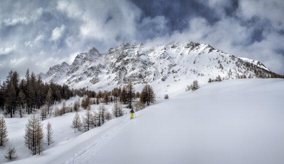 France, Hautes Alpes, Queyras Nature Park, Ceillac, Pic de Chateau Renard, ski mountaineering - ALRF000451