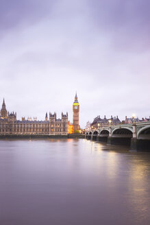 United Kingdom, England, Big Ben and Houses of Parliament and Themse bridge in the evening - EPF000093