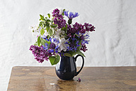 Bunch of spring flowers - MYF001492