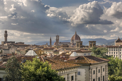 Italy, Tuscany, Florence, historical old town with Santa Maria del Fiore, Palazzo Vecchio, and Badia Fiorentina - CSTF001081