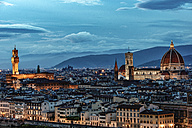 Italy, Tuscany, Florence, historic old town in the evening - CSTF001090