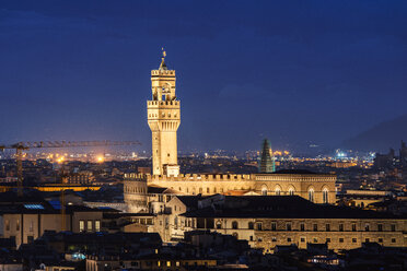 Italy, Tuscany, Florence, old town, Palazzo Vecchio at night - CSTF001093