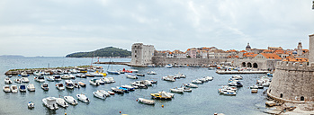 Croatia, Dubrovnik, view to the old port and St. John Fortress - ZEDF000158