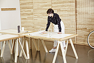 Architect in an office - TSFF000066