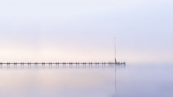 Lake Starnberg, wooden pier at dawn - PUF000510