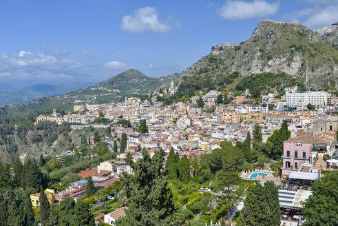 Italy, Sicily, Taormina, townscape - RJF000590