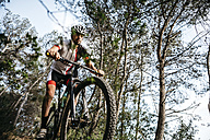 Mountain biker on the move - JRFF000722