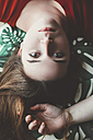Portrait of young woman upside down - RTBF000221