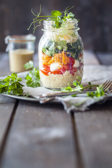 Rainbow salad in a jar, quinoa, tomatoes, mozzarella, spinach, pea sprouts - SBDF002922