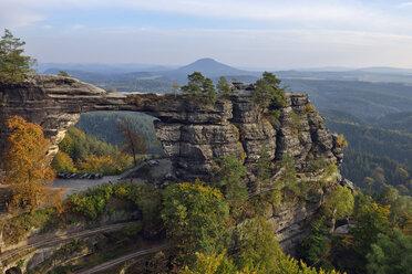 Czechia, Bohemian Switzerland, Elbe Sandstone Mountains, view to Pravcicka brana - RUEF001713