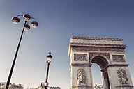 France, Paris, low angle shot of the Arc de Triomphe from Place Charles de Gaulle - LCU000016