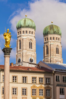 Germany, Munich, view to Marian column and spires of Cathedral of Our Lady - WDF003629