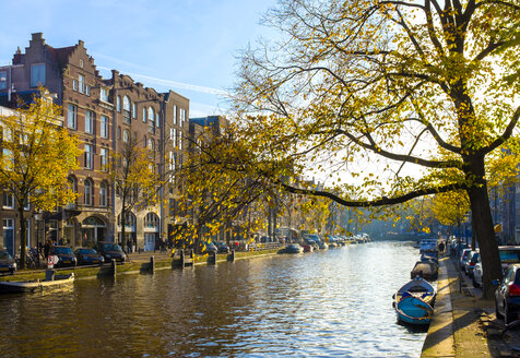 Netherlands, County of Holland, Amsterdam, boats and canal in autumn - JLRF000065