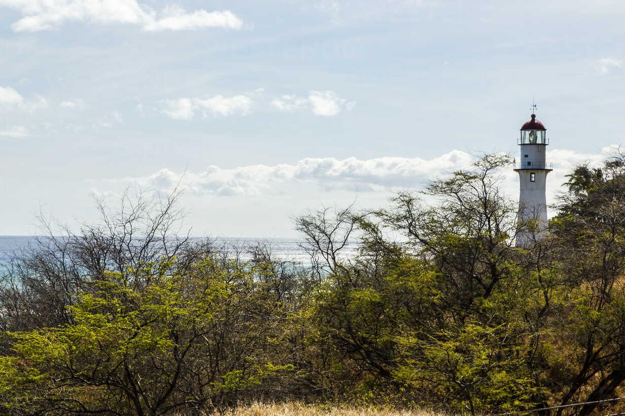 USA, Hawaii, Oahu, lighthouse and sea - NGF000348 - Nadine Ginzel/Westend61