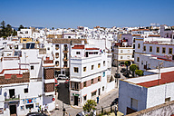 Spain, Andalusia, Tarifa, townscape with white houses - KIJF000456