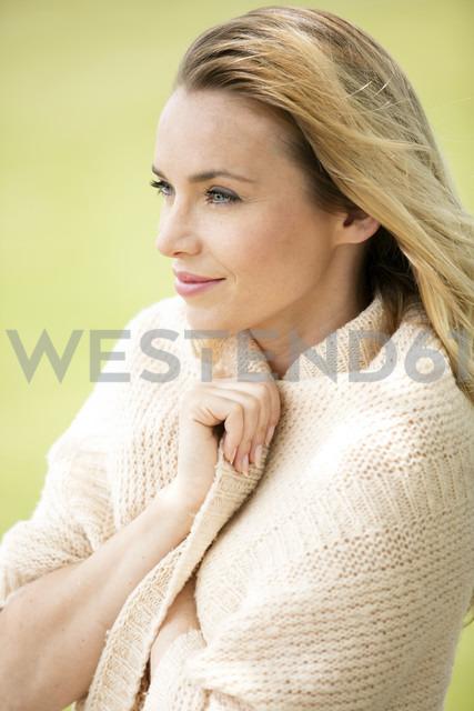 Portrait of smiling blond woman - GDF001014 - Gabi Dilly/Westend61