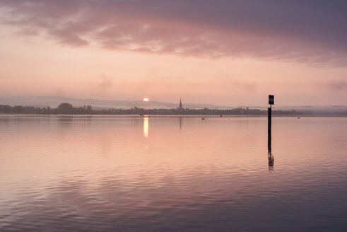Germany, Constance district, Lake Constance, View to Radolfzell lakeshore at sunrise - ELF001770