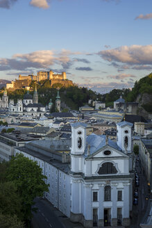 Austria, Salzburg, old town and castle Hohensalzburg - YR000107