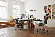Modern office - RHF001593