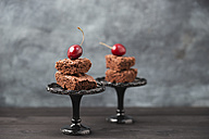 Brownies and cherries - MYF001546