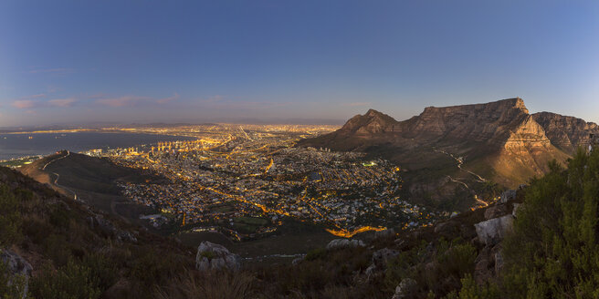 South Africa, Cape Town with table mountain and signal hill at blue hour - YRF000114