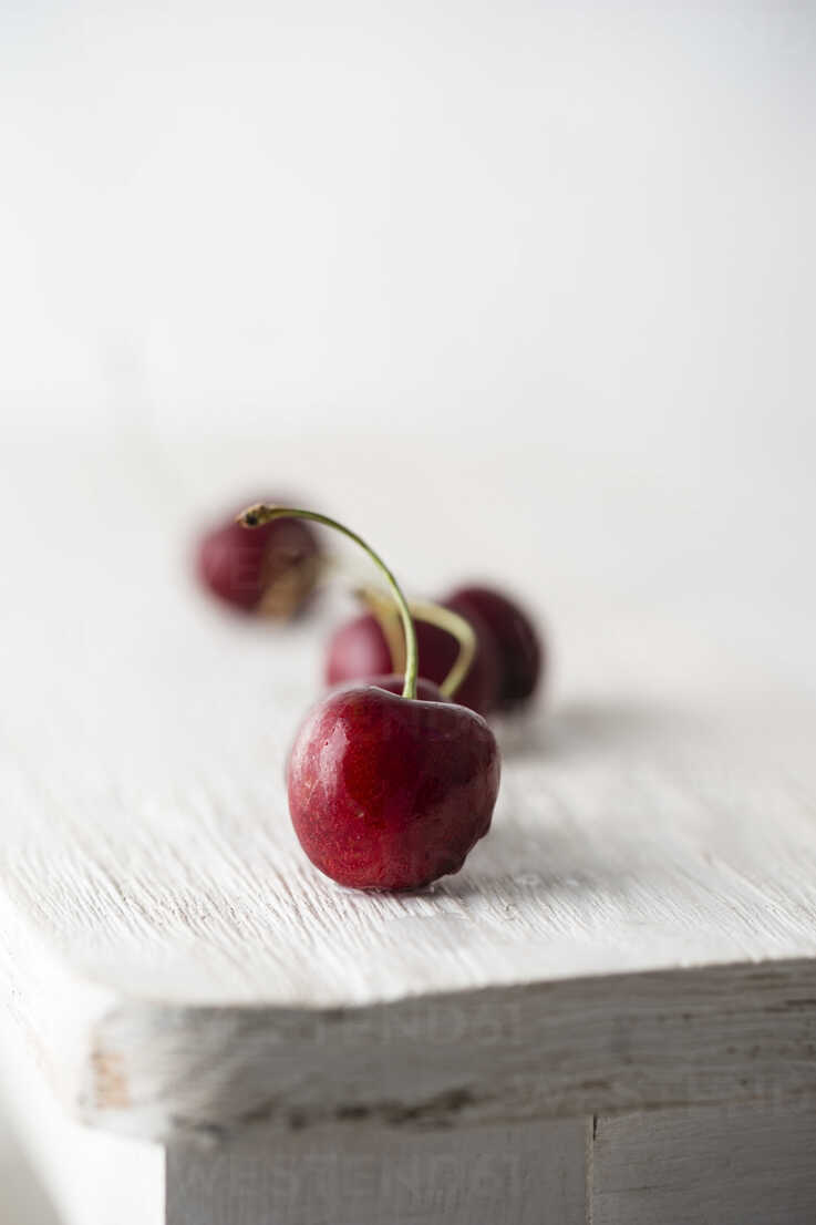 Sweet cherries - MYF001595 - Mandy Reschke/Westend61