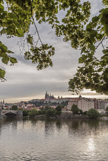 Czechia, Prague, Prague Castle in the evening - MELF000125