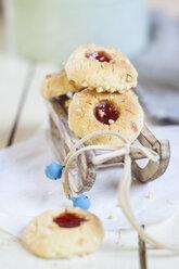 Home-baked Christmas cookies, thumbprint cookies, christmas decoration - SBDF002982