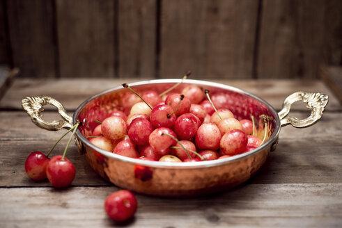 Organic cherries in sahan - CZF000258